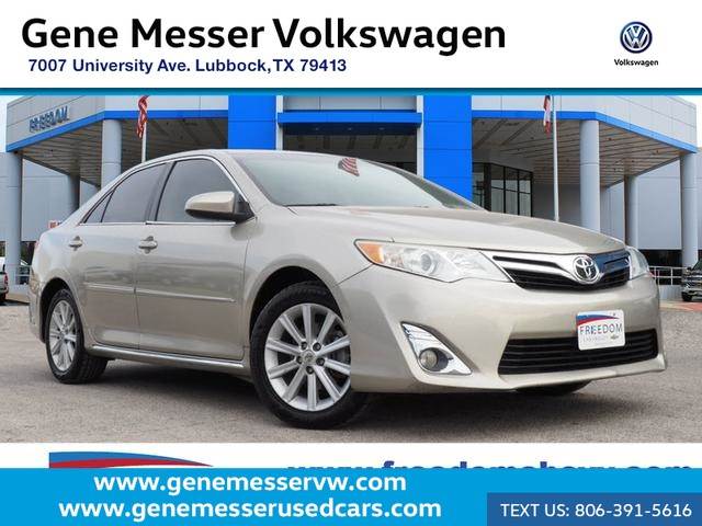Pre-Owned 2014 Toyota Camry XLE | Leather | Reverse Camera